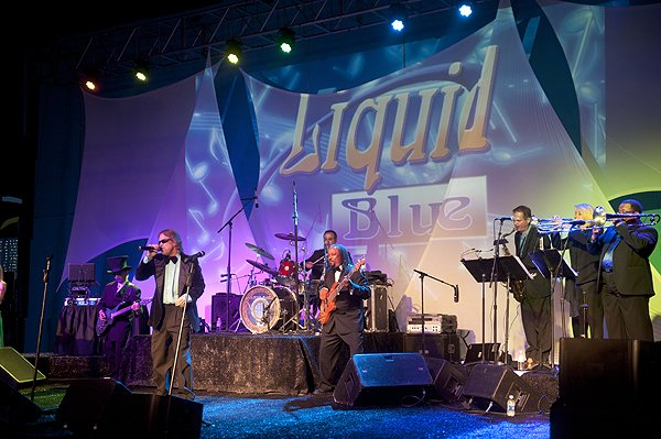 Liquid Blue Band in LA Jolla CA at LA Jolla Beach and Tennis Club - Liquid Blue