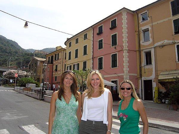 Kristen, Mary and Nikki