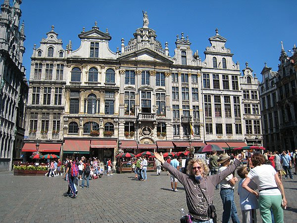 Lange On The Grand Place