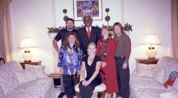 2001-12-22 Quito Ambassadors House