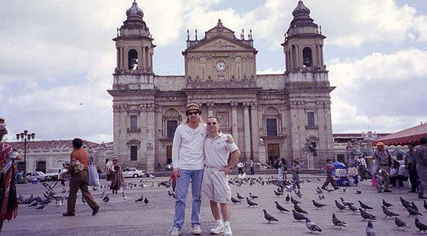 2001-12-23 Guatemala City 000
