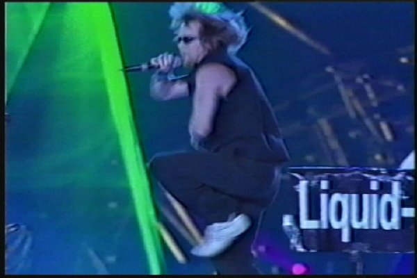 2002-09-14 Dalian Stadium Live 004