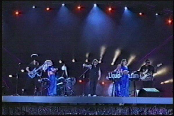 2002-09-14 Dalian Stadium Live 009