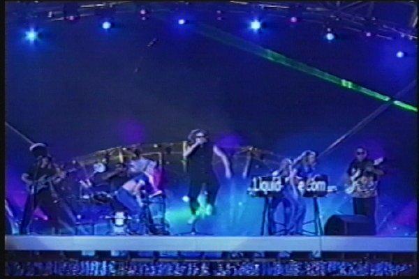 2002-09-14 Dalian Stadium Live 010