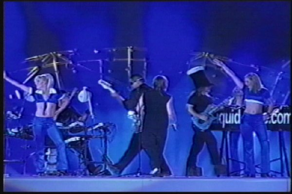2002-09-14 Dalian Stadium Live 011