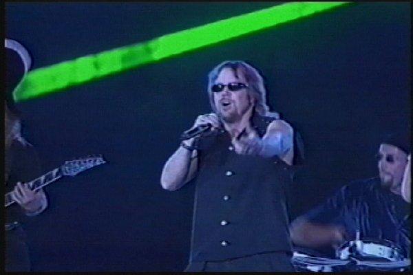 2002-09-14 Dalian Stadium Live 019