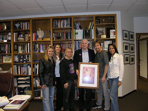2004-11-02 Phoenix AZ Senator John McCain 002