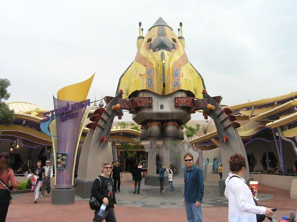 2005-11-01 Hong Kong Disneyland 036