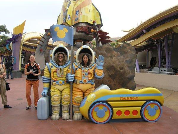 2005-11-01 Hong Kong Disneyland 046