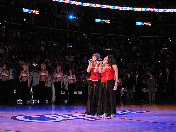 2005-12-27 Los Angeles CA Staples Center 003