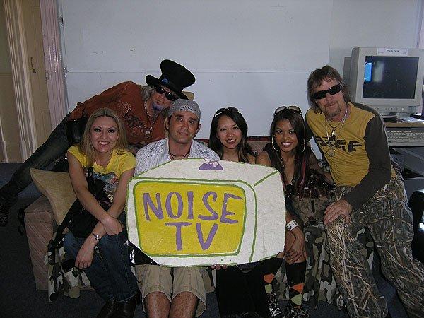 2009-01-31 Melbourne Australia Noise TV 002