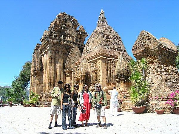 2009-03-19 Nha Trang Vietnam Po Nagar Tower 004