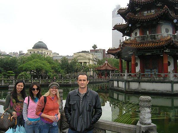 2009-03-24 Taipei Taiwan Peace Memorial Park 003