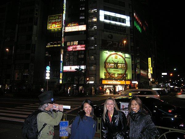 2009-04-04 Tokyo Japan Shinjuku District 003