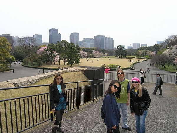2009-04-05 Tokyo Japan Imperial Palace 006
