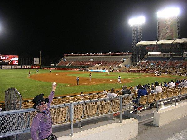 2010-11-18 Liquid Blue Band in Santo Domingo Dominican Republic Quisqueya Stadium 002
