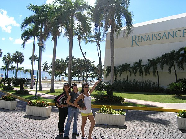 2010-11-19 Liquid Blue Band in Santo Domingo Dominican Republic 001