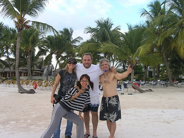 2010-11-20 Liquid Blue Band in Punta Cana Dominican Republic 019