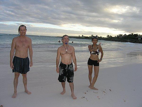 2010-11-20 Liquid Blue Band in Punta Cana Dominican Republic 022