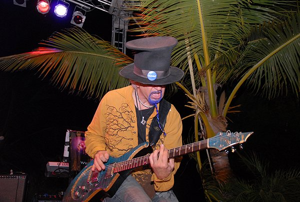 2010-11-20 Liquid Blue Band in Punta Cana Dominican Republic at Cap Cana 006