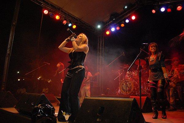 2010-11-20 Liquid Blue Band in Punta Cana Dominican Republic at Cap Cana 015