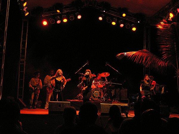 2010-11-20 Liquid Blue Band in Punta Cana Dominican Republic at Cap Cana 022