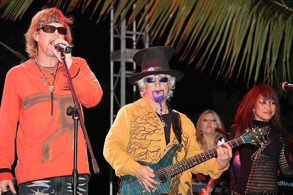 2010-11-20 Liquid Blue Band in Punta Cana Dominican Republic at Cap Cana 025