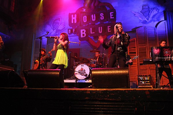 2011-03-23 Liquid Blue Band in New Orleans LA at House Of Blues 016