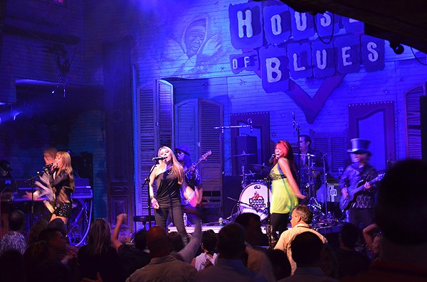 2011-03-23 Liquid Blue Band in New Orleans LA at House Of Blues 122