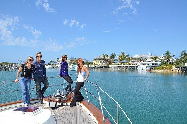 2011-05-18 Liquid Blue Band in Great Guana Cay Bahamas 007