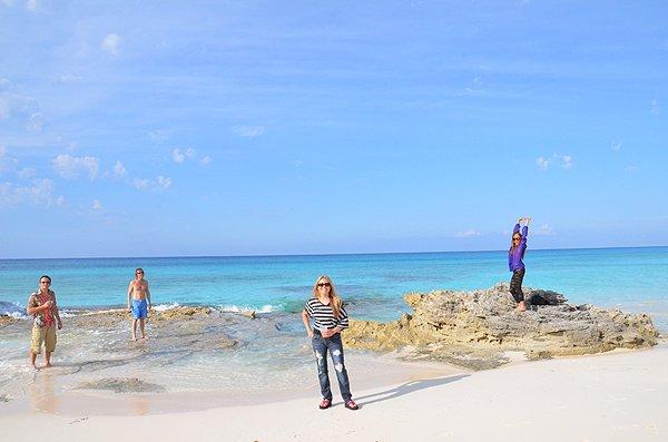2011-05-18 Liquid Blue Band in Great Guana Cay Bahamas 015