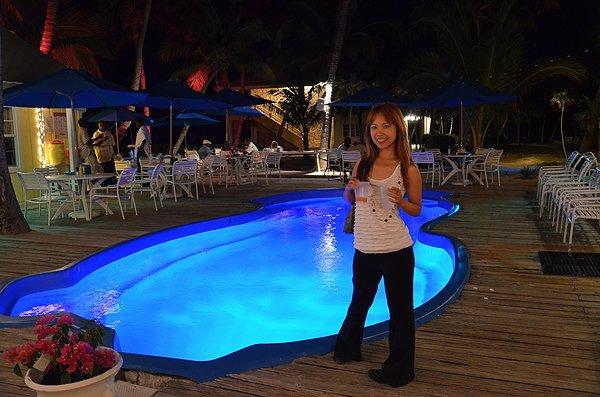 2011-05-18 Liquid Blue Band in Great Guana Cay Bahamas 030