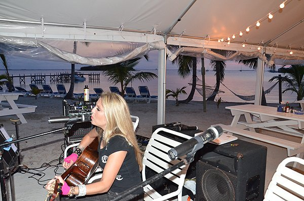 2011-05-19 Acoustic Blue Band in Great Guana Cay Bahamas at Grabbers 003