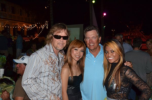 2011-05-20 Liquid Blue Band in Great Guana Cay Bahamas with George Strait 000