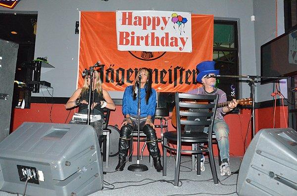 2011-08-23 Acoustic Blue in Birmingham AL at Overtime Bar 000