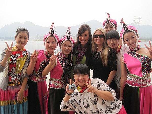 2011-10-20 Liquid Blue Band In Hangzhou China 375