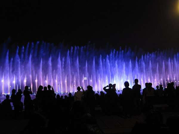 2011-10-25 Hangzhou China West Lake Impressions Water Show 005