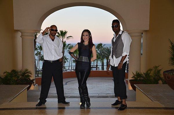 2012-03-21 Liquid Blue Band in Los Cabos Mexico 064