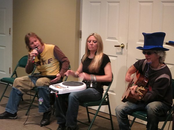 2012-05-14 Acoustic Blue in Timonium MD at Mays Chapel Ridge Retirement Home 205