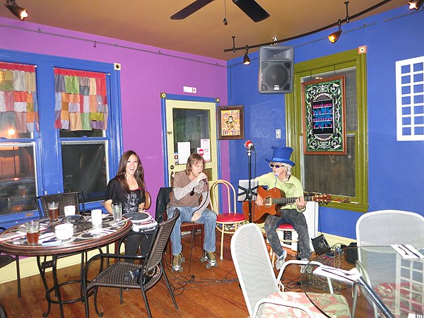 2012-05-15 Acoustic Blue in Wilmington DE at Bellefonte Cafe 202