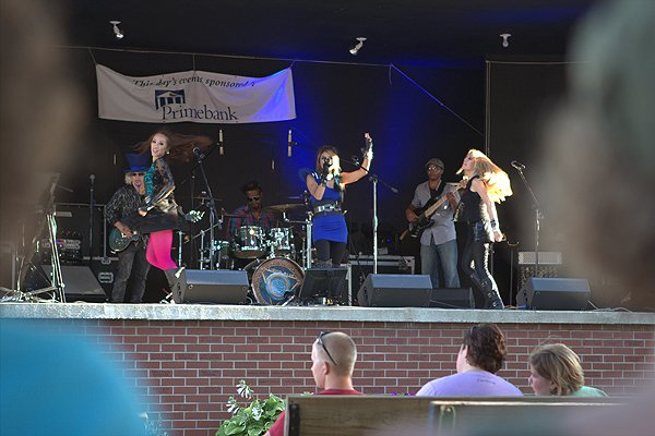 2012-07-28 Liquid Blue Band in Le Mars IA at Plymouth County Fair 022