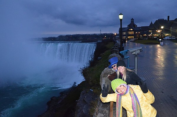 2012-12-10 Liquid Blue Band In Niagara Falls Ontario Canada 13