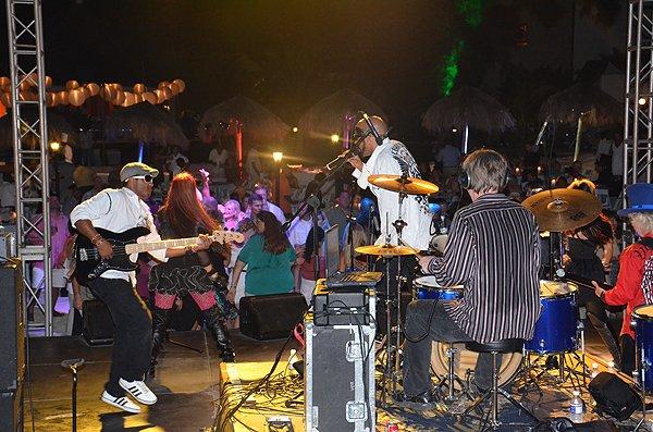 2013-01-18 Liquid Blue Band in Montego Bay Jamaica at Secrets Resort 024