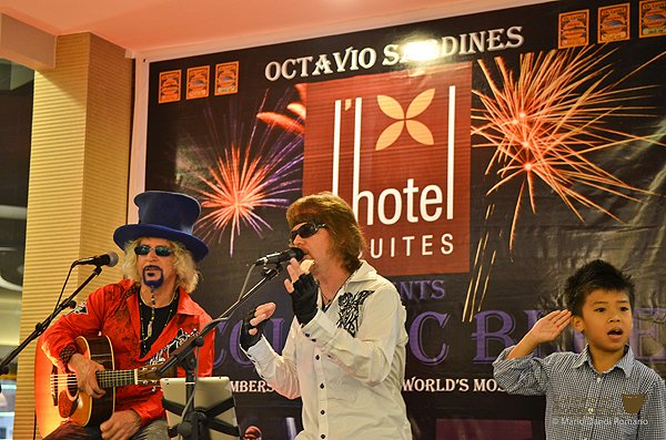 2013-02-09 Acoustic Blue In Dipolog City Philippines At Dhotel and suites 010