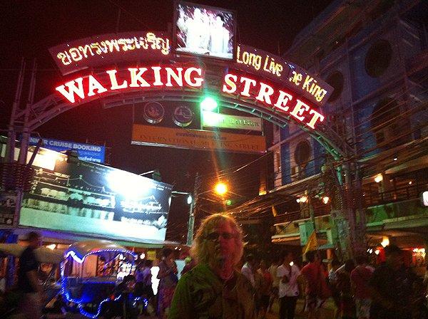 2013-02-19 Liquid Blue Band In Pattaya Thailand 052