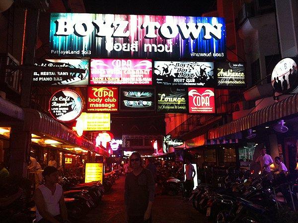 2013-02-19 Liquid Blue Band In Pattaya Thailand 063