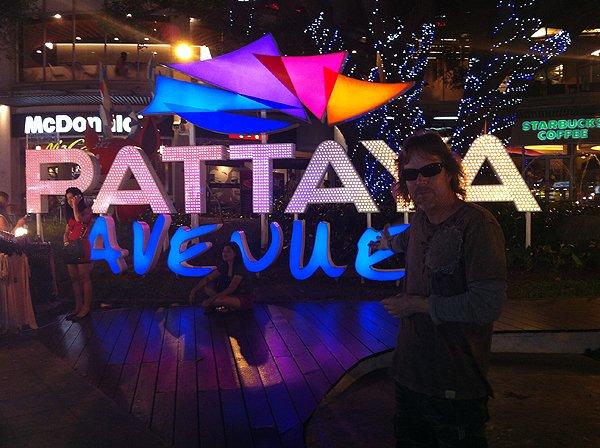 2013-02-19 Liquid Blue Band In Pattaya Thailand 070