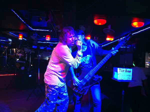 2013-02-27 Liquid Blue Band In Katong Thailand At Local Bar 016