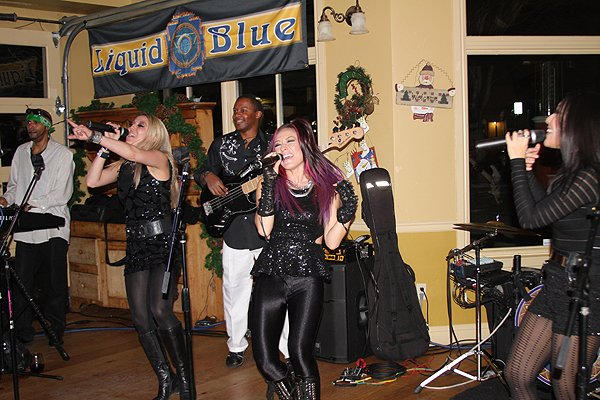 2013-12-28 Liquid Blue Band in Boise ID at Dry Creek Merc 192