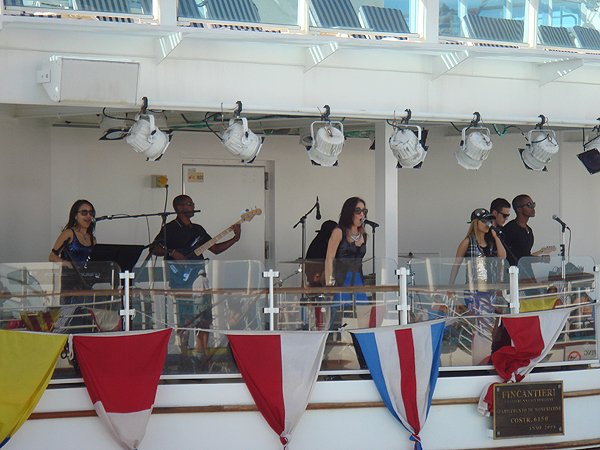 2014-02-10 Liquid Blue Band on Ruby Princess 002